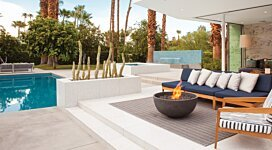 Urth v2 Portable Fire Pit - In-Situ Image by