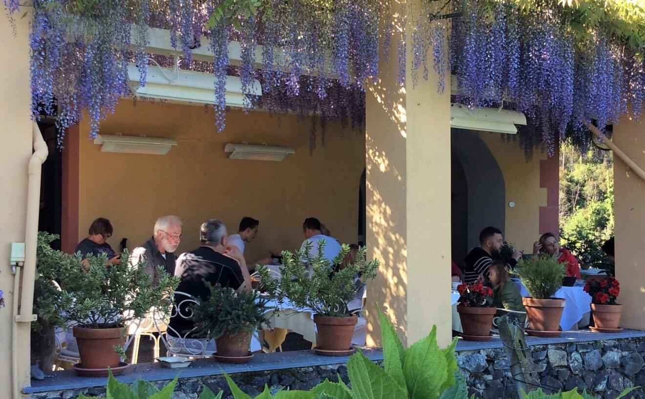 spot-2800w-radiant-heater-restaurant-terrace-04.jpg